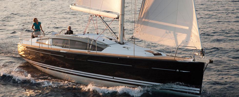 Jeanneau-Sun-Odyssey-44-Deck-Saloon-E121-2