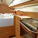 boat-44DS_interieur_2013112711445237